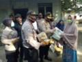 Polres Batubara Berikan Sembako Kepada Warga Kurang Mampu