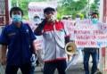Dianggap Tidak Pro Rakyat, LSM PMPRI Beri Hadiah Telur Busuk Kepada DPRD Siantar