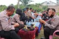 Kapolres Batubara Ikuti Pesta Tapai, Serahkan Bansos Kepada Pedagang
