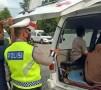 Bawa Penumpang Mudik Tanpa SIKM, Mobil Ambulance Diputar Balik