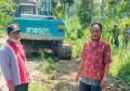 Camat Panombeian Panei Bersama Masyarakat Marharoan Bolon, Perbaiki Jalan